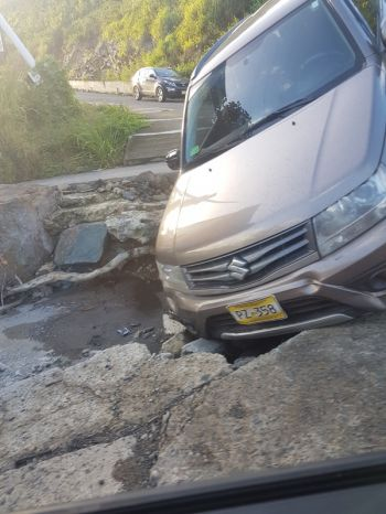 The vehicle stuck at the corner of Joe's Hill Road and Paul P. Wattley Road on January 29, 2018. Photo: VINO