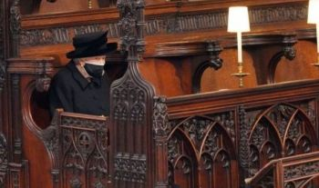 In the event that was televised and live-streamed online and across social media, Queen Elizabeth II said goodbye to her husband of 73 years while dressed in black, wearing a mask and sitting alone due to coronavirus restrictions. Photo: Internet Source