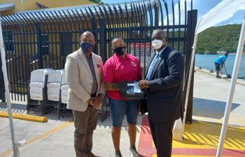 Hon Malone also said the VI team was pleased to present gifts as a small token of appreciation to the USVI team. Photo: GIS