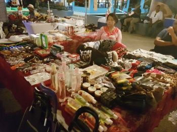 One of the booths at Christmas on deCastro Street on December 1, 2017. Photo: VINO