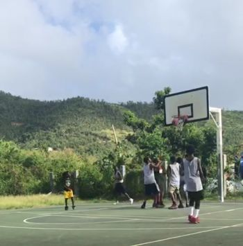 Action in the game between Tune Squad and Albion at the Sea Cows Bay Basketball Court on February 9, 2018. Photo: Team of Reporters