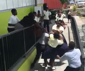 The brawl that occurred among three female students of Elmore Stoutt High School (ESHS) on Monday, March 19, 2018. Photo: Team of Reporters