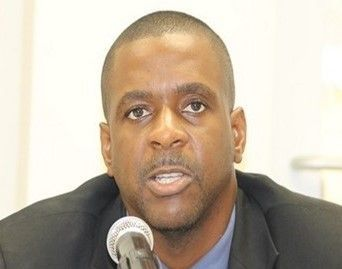 The reasons behind the banking institutions closing their doors on the sister island of Virgin Gorda, was disclosed when Leader of the Opposition, the Honourable Andrew A. Fahie (R1), pressed Premier and Minister of Finance, Dr the Honourable D. Orlando Smith (AL) on the state of banking services in the VI, during a sitting of the House of Assembly. Photo: VINO/File