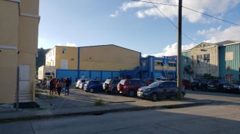 Following the announcement by Government on Wednesday, March 25, 2020 that the Virgin Islands will be on 24-hour curfew from 8:00pm on Friday, March 27, 2020 to 6:00am April 2, 2020, persons have started to flock at supermarkets to stock up for the lock-down. Photo: VINO