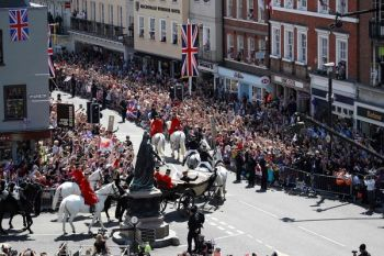 The local British authority said just over 100,000 people were in Windsor for the occasion, which unfolded under clear blue skies. Photo: Independent.co.uk