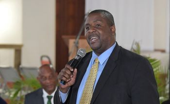 Premier Andrew A. Fahie (R1) has called on pastors throughout the Virgin Islands (VI) to open their doors to persons who may wish to pray during the prayer and fasting period. Photo: GIS/Facebook
