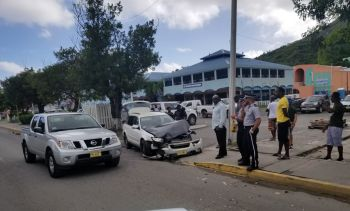 Police and onlookers at the scene of the accident on DeCastro Street on January 19, 2020. Photo: Team of Reporters