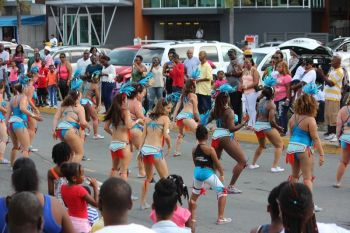 Tortola Dance Project, consisting mostly of Caucasians, showing the crowd their moves at the August Monday Parade in August 2016. Photo: VINO