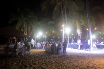 A variety of delectable cuisine that was available for consumption at a beachside setting, with a cool and soothing evening breeze, music, and a perfect atmosphere for socialising, made the Barefoot Gourmet Soiree at the Peter Island Resort and Spa on November 14, 2015 an elegant and enchanting experience. Photo: VINO