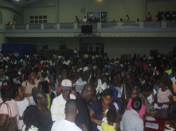 Scores of parent and students attended the launch of the new digital textbook VIDE. Photo: VINO