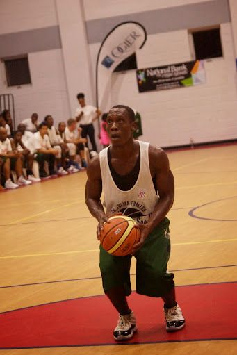 Chaurbin V. Smith of the Bayside Blazers about to make a free throw. Photo: Andre 'Shadow' Dawson