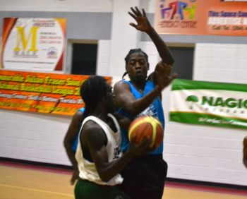 The opening game pitched the Bayside Blazers against a resurgent Da 3rd, who took the game to the Bayside Blazers and never let them gain any real momentum. Photo: Charlie E. Jackson/VINO