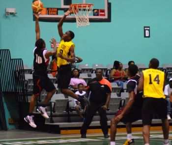 And One defeated Stingers 93-84. Photo: Charlie E. Jackson/VINO