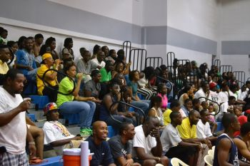 Part of the large turnout to the tournament on Saturday evening. Photo: VINO