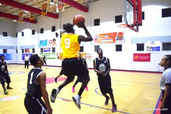 Starz were flying high until Winning Mentality (yellow) lived up to their name. Photo: Charlie E. Jackson/VINO