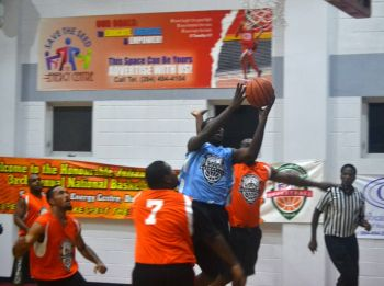 The first game of the resumed League had seen Zone6 Ballers come from way behind to beat Splash Brothers 95-87. Photo: Charlie E. Jackson/VINO