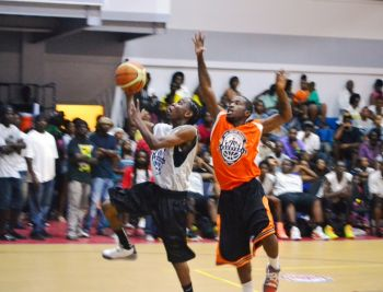 Z6ne 6 Ballers made a winning start to their campaign, a 73-68 defeat of Spartans. Photo: Charlie E. Jackson/VINO