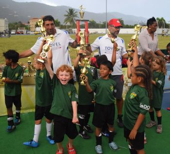 Cedar Green were crowned U7 champions after winning 3-1 on penalties against Montessori. Photo: Charlie E. Jackson/VINO