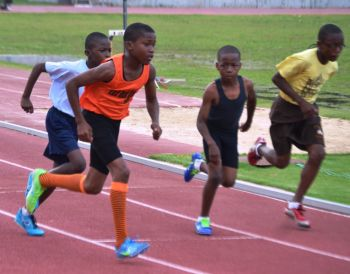Chaz Fahie notched double wins in the U13 Boys 400/800m 1:01.09/2:28.28. Photo credit: Charlie E. Jackson/VINO
