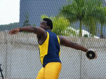 Eldred Henry will be wrapping up his season, which started with a Medal at the Carifta Games and saw him start College in Central Arizona, by competing in the Discuss and Shot Put events. Photo: Charlie E. Jackson/VINO/File