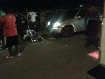 The scene of the accident. The motorcycle and pickup still were still in place up to minutes ago. Photo: Team of Reporters
