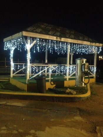 Decorations include the Delta Pasea compound gazebo, which is attractively filled with Christmas lights. Photo: Team of Reporters