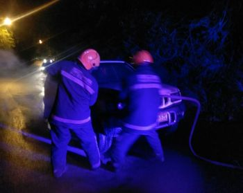 No one was reportedly injured when a vehicle caught fire while on Fort Hill, Tortola last night, January 2, 2017. Photo: Team of Reporters
