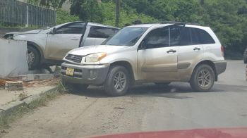 No one was reportedly injured in the two-vehicle accident. Photo: Team of Reporters