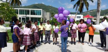 Releasing of biodegradable balloons in memory of the many persons who died as a result of domestic violence in the Virgin Islands (VI). Photo: VINO