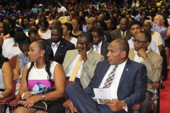 A number of legislators and their wives were present at the graduation ceremony. Photo: VINO
