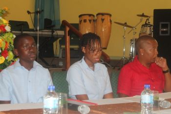 Some of the student panelists at the forum. Photo: VINO