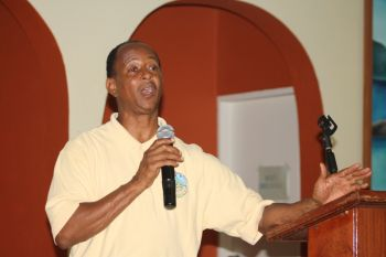 Chief Environmental Officer Mr Carnel W. Smith was among the team that addressed the community meeting. Photo: VINO