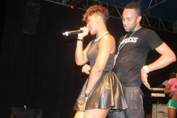 Cham, in a surprise move, also brought his wife Ophelia aka 'O' onstage to perform two hit songs, Wine Up and Tun Up which he also collaborated on last year. Photo: VINO