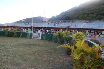 The return of the races saw a moderate turn out of fans to support their favourite horses. Photo: VINO