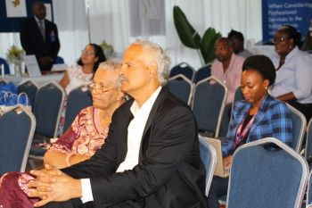 Stedman Graham Jr. sits next to Deputy Governor V. Inez Archibald yesterday April 30, 2016 at the MWM Business Start Up. Photo: VINO
