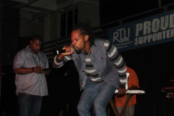 Drastic performing at the Luciano and friends in concert. Photo: VINO