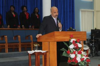 According to Pastor Gregory Smith, 'Elected leaders are God's servants for our good.' He had also emphasized that leaders give up a lot to take on the role in leading the country. Photo: VINO