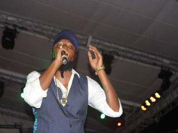 Pressure Buss pipe held the crowd, doing some of his number one hit sounds like 'Love and Affection' and 'Virgin Islands Nice'. Photo: VINO