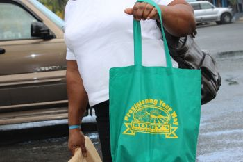 A reusable bag issued to customers of Bobby's supermarket. Photo: VINO