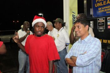 Scene from the Rotary Club of Tortola's Grand Raffle drawing held at the Delta Petroleum gas station at Pasea Estate on December 24, 2013. Photo: VINO