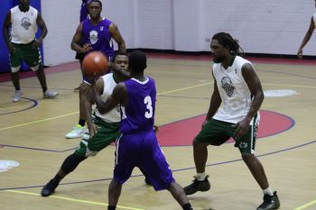 A game between Momentum and Bayside Blazers in the Hon Julian Fraser Save the Seed Basketball League on August 31, 2019. Photo: VINO