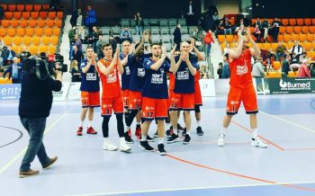 New Heroes celebrate the away game win against Forward Lease Rotterdam on March 10, 2018. Photo: Facebook