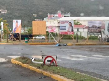 Damaged road sign. Photo: Team of Reporters