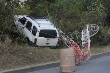 The Nissan XTERRA (PV23523) that reportedly knocked the radio station's tower out on March 9, 2013. Photo: VINO/File